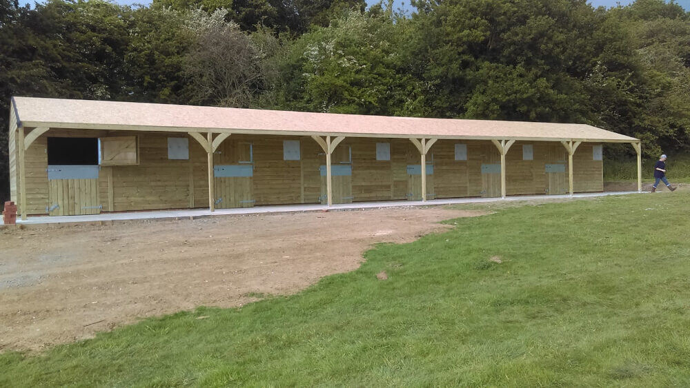 grand-national-stables-installed-by-national (1)