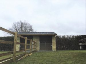 12x18-Mobile-Field-Shelter-with-Glavanised-Gates-(1)