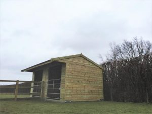 12x18-Mobile-Field-Shelter-with-Glavanised-Gates-(2)