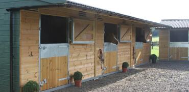 field_shelters_buckinghamshire